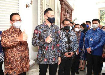 AHY saat bersilaturahmi dengan Anies di Balai Kota DKI Jakarta.