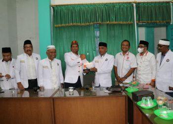 Pengurus DPW-PKS Aceh silaturahmi ke Kantor PERTI Aceh.
