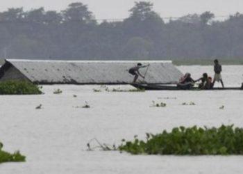 Hujan deras di India mengakibatkan banjir parah, 115 tewas serta puluhan lainnya hilang. Foto: Biji Boru/ AFP.