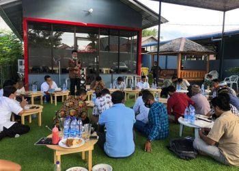 Haji Uma memfasilitasi warga Lingkungan dan pihak PAG